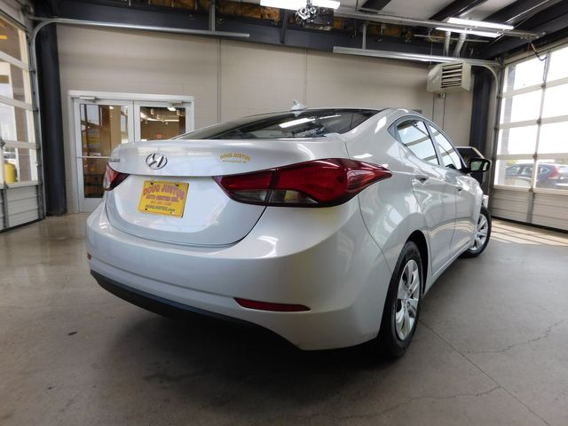 2016 Hyundai Elantra SE in Airport Motor Mile ( Metro Knoxville ), TN 37777