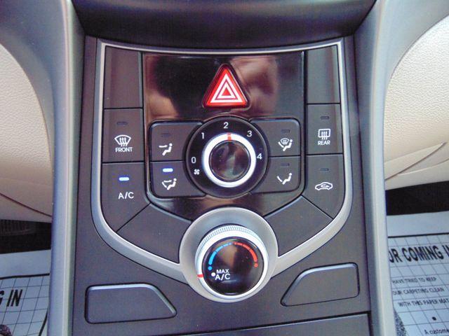 2016 Hyundai Elantra SE Alexandria, Minnesota 14