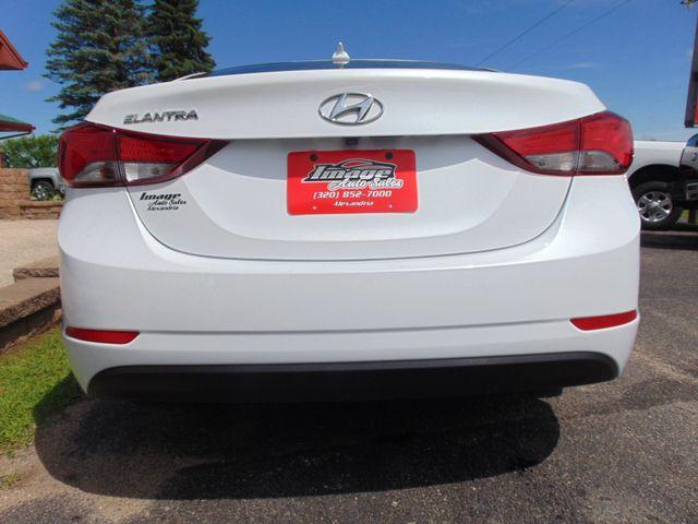 2016 Hyundai Elantra SE Alexandria, Minnesota 25