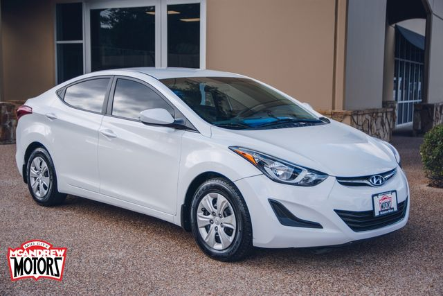 2016 Hyundai Elantra SE in Arlington, Texas 76013