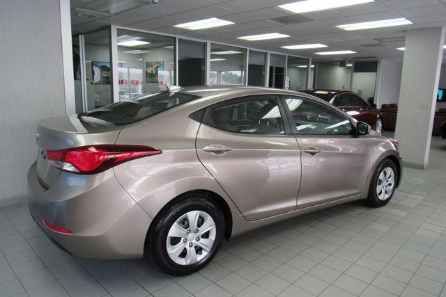 2016 Hyundai Elantra SE Chicago, Illinois 3
