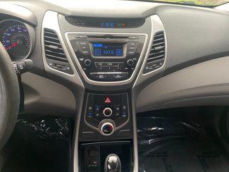 2016 Hyundai Elantra SE Farmington, MN 7