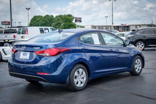 2016 Hyundai Elantra SE in Memphis, TN 38115