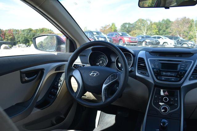 2016 Hyundai Elantra SE Naugatuck, Connecticut 9