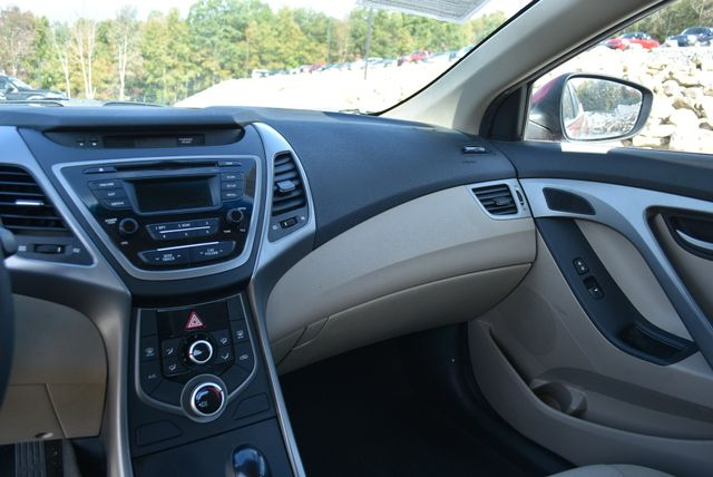 2016 Hyundai Elantra SE Naugatuck, Connecticut 14