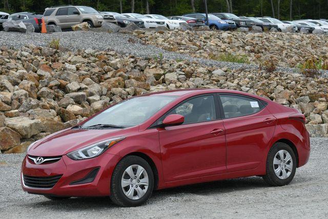 2016 Hyundai Elantra SE Naugatuck, Connecticut