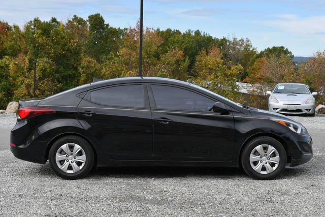 2016 Hyundai Elantra SE Naugatuck, Connecticut 5