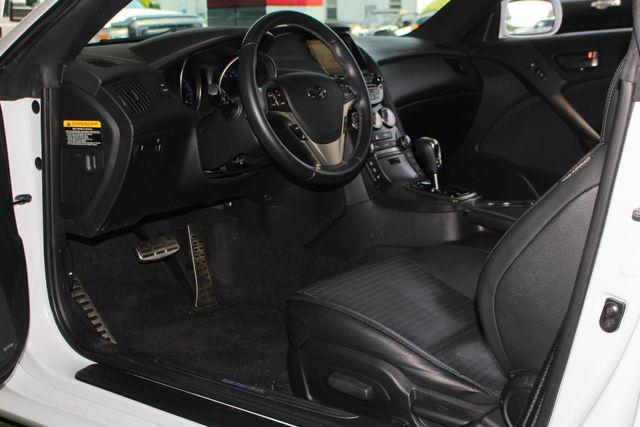 2016 Hyundai Genesis Coupe 3.8L Ultimate RWD- NAV - SUNROOF - HEATED LEATHER! Mooresville , NC 30