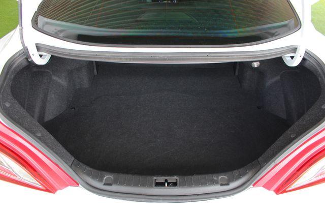 2016 Hyundai Genesis Coupe 3.8L Ultimate RWD- NAV - SUNROOF - HEATED LEATHER! Mooresville , NC 12