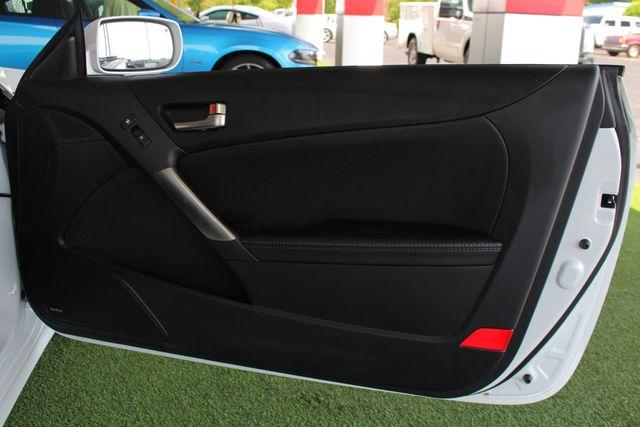 2016 Hyundai Genesis Coupe 3.8L Ultimate RWD- NAV - SUNROOF - HEATED LEATHER! Mooresville , NC 45