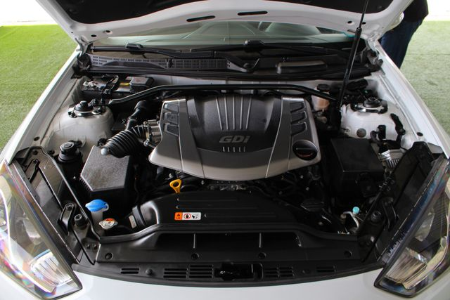 2016 Hyundai Genesis Coupe 3.8L Ultimate RWD- NAV - SUNROOF - HEATED LEATHER! Mooresville , NC 46
