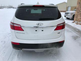 2016 Hyundai Santa Fe SE Farmington, MN 4