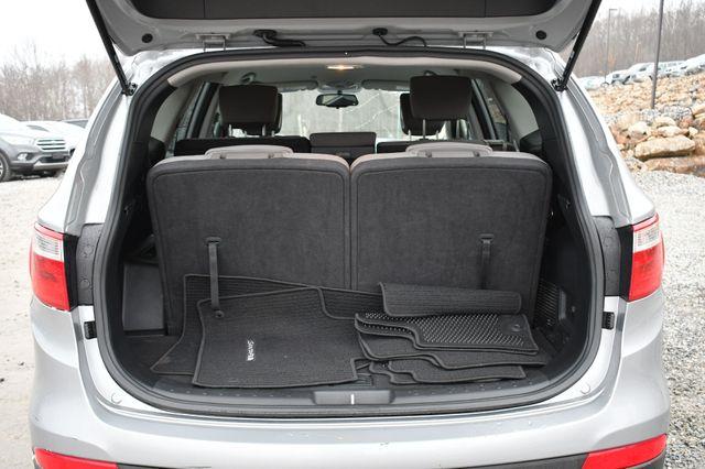 2016 Hyundai Santa Fe SE Naugatuck, Connecticut 12