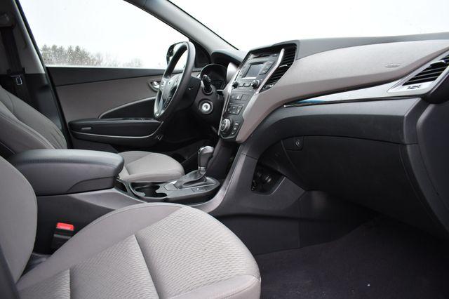2016 Hyundai Santa Fe SE Naugatuck, Connecticut 8