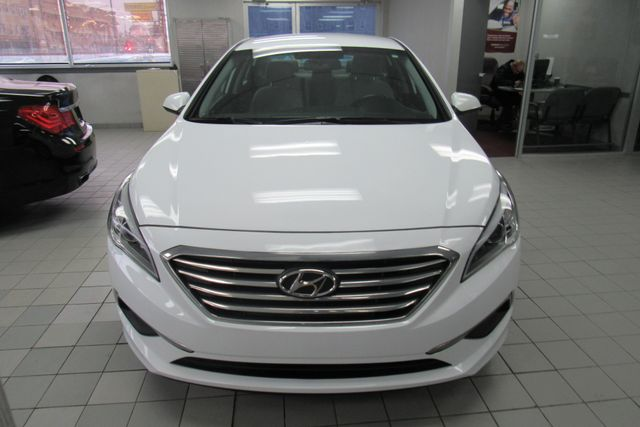 2016 Hyundai Sonata 2.4L SE W/ BACK UP CAM Chicago, Illinois 3
