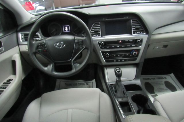 2016 Hyundai Sonata 2.4L SE W/ BACK UP CAM Chicago, Illinois 11