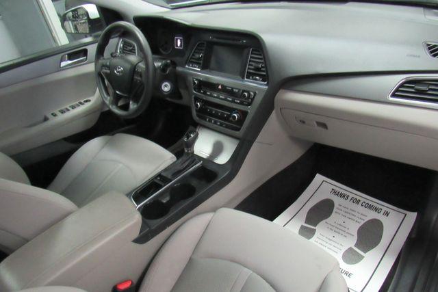 2016 Hyundai Sonata 2.4L SE W/ BACK UP CAM Chicago, Illinois 14