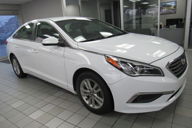 2016 Hyundai Sonata 2.4L SE W/ BACK UP CAM Chicago, Illinois 4