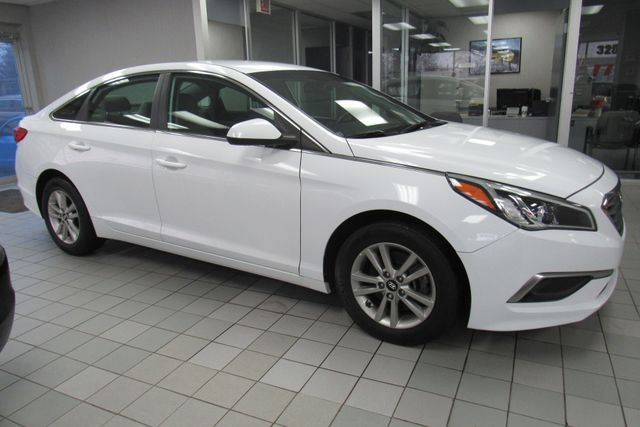 2016 Hyundai Sonata 2.4L SE W/ BACK UP CAM Chicago, Illinois 1
