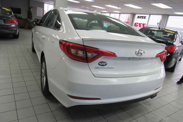 2016 Hyundai Sonata 2.4L SE W/ BACK UP CAM Chicago, Illinois 7