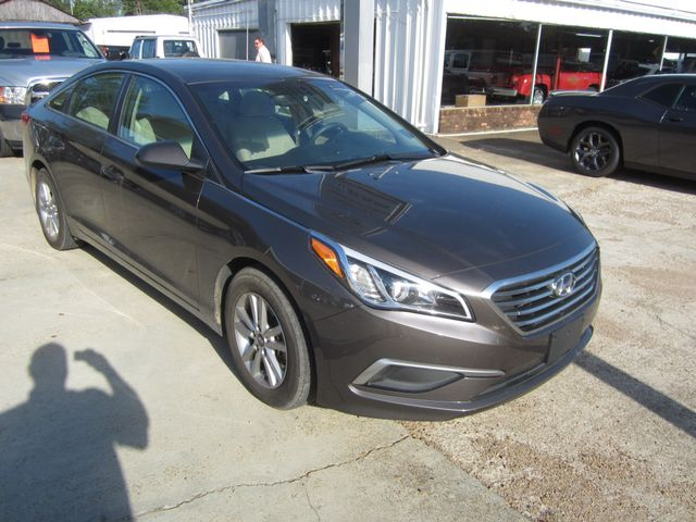 2016 Hyundai Sonata 2.4L SE Houston, Mississippi 1