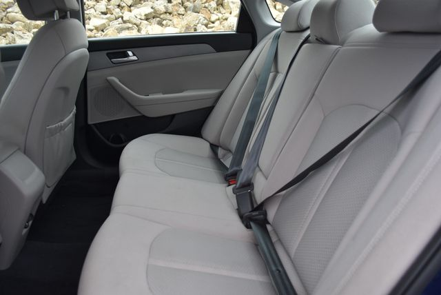 2016 Hyundai Sonata 2.4L SE Naugatuck, Connecticut 9