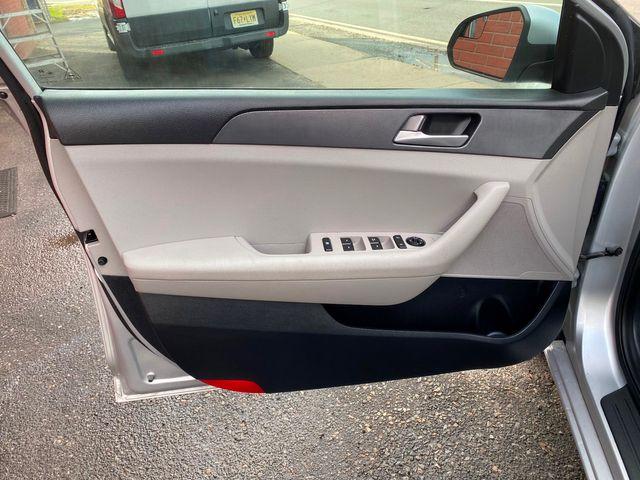 2016 Hyundai Sonata 2.4L SE New Brunswick, New Jersey 17