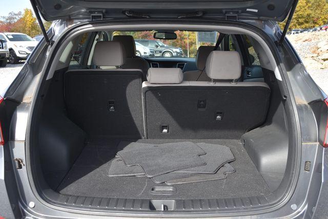 2016 Hyundai Tucson SE Naugatuck, Connecticut 3