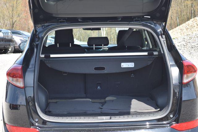 2016 Hyundai Tucson SE Naugatuck, Connecticut 12
