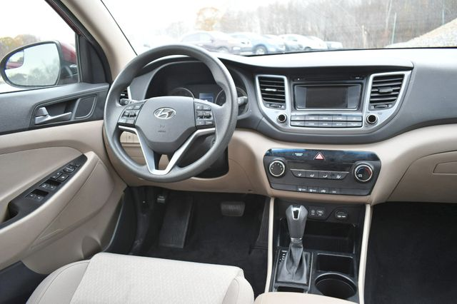2016 Hyundai Tucson SE Naugatuck, Connecticut 16