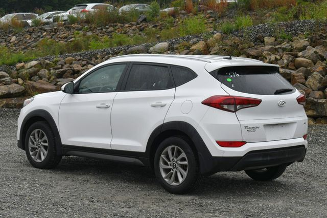 2016 Hyundai Tucson SE AWD Naugatuck, Connecticut 4