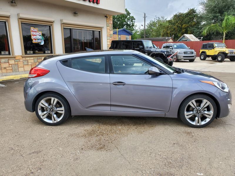 2016 Hyundai Veloster   Brownsville TX  English Motors  in Brownsville, TX