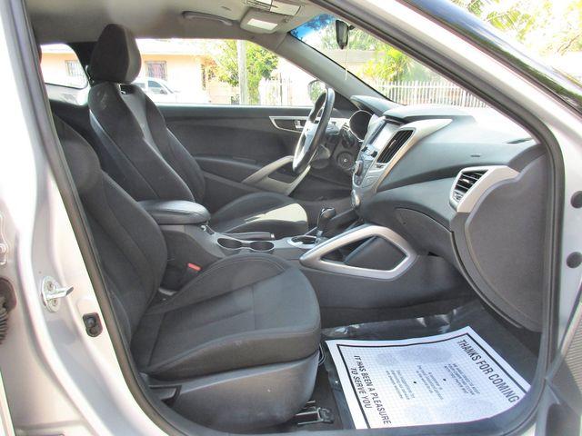 2016 Hyundai Veloster Miami, Florida 10