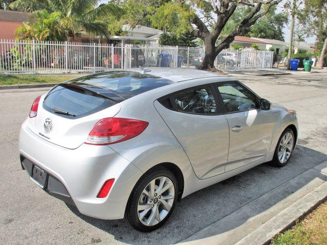 2016 Hyundai Veloster Miami, Florida 4