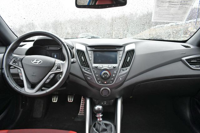 2016 Hyundai Veloster Turbo R-Spec Naugatuck, Connecticut 4