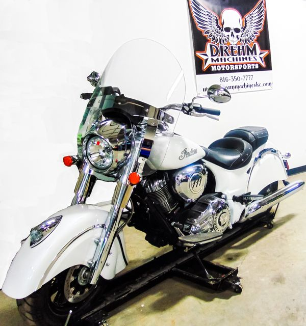 2016 Indian Chief® Classic in Kansas City, MO 64136