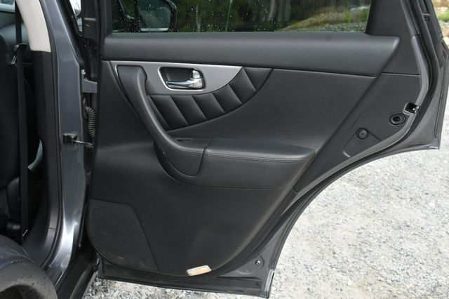 2016 Infiniti QX70 AWD Naugatuck, Connecticut 13