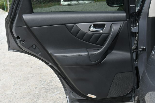 2016 Infiniti QX70 AWD Naugatuck, Connecticut 14