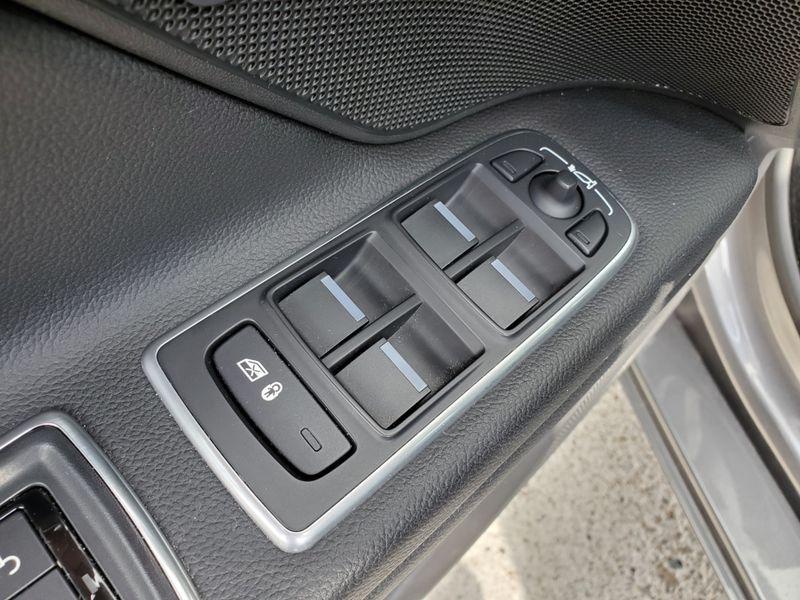 2016 Jaguar XF 35t Premium  Brownsville TX  English Motors  in Brownsville, TX