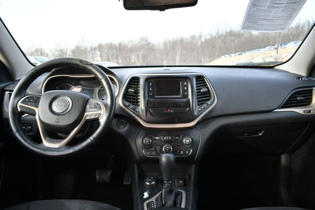 2016 Jeep Cherokee Latitude Naugatuck, Connecticut 10