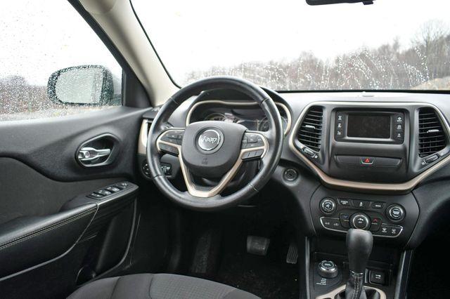 2016 Jeep Cherokee Latitude Naugatuck, Connecticut 18