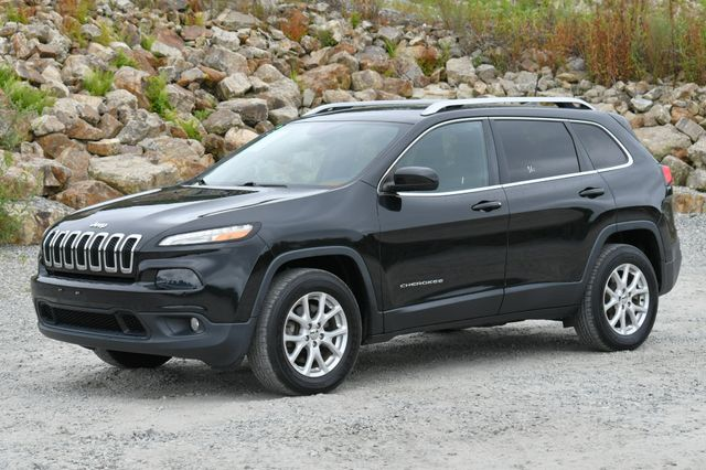 2016 Jeep Cherokee Latitude 4WD Naugatuck, Connecticut 2