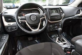 2016 Jeep Cherokee Latitude Waterbury, Connecticut 11
