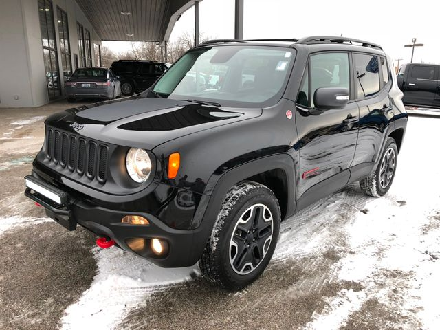 2016 Jeep Renegade Trailhawk 4X4 in Gower Missouri, 64454