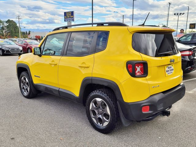 2016 Jeep Renegade Latitude 4WD MY SKY Dual Sunroofs Cold Weather Pkg in Louisville, TN 37777