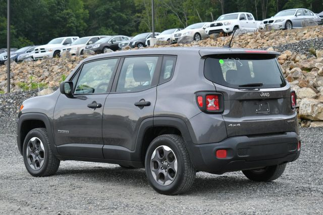 2016 Jeep Renegade Sport Naugatuck, Connecticut 2