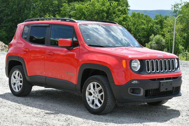 2016 Jeep Renegade Latitude 4WD Naugatuck, Connecticut 8