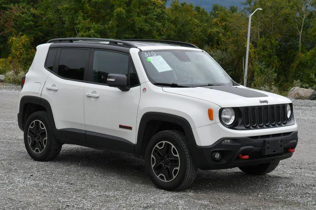 2016 Jeep Renegade Trailhawk 4WD Naugatuck, Connecticut 8