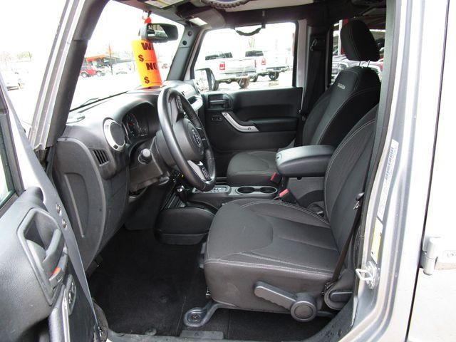 2016 Jeep Wrangler Unlimited Sahara Houston, Mississippi 8