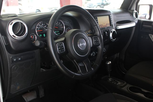 2016 Jeep Wrangler Unlimited Rubicon 4x4 - LIFTED - EXTRA$ - NAV - HEATED SEATS Mooresville , NC 32